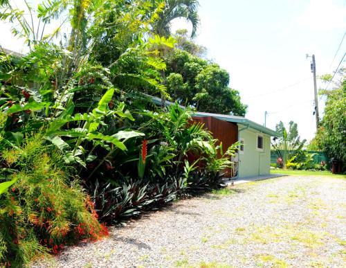 Kalani Hawaii Private Lodging - Haleiwa, HI 96712