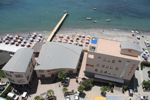 . Aragosta Hotel & Restaurant