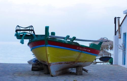 Kalidon, Kokkari 83100, Samos, Greece.