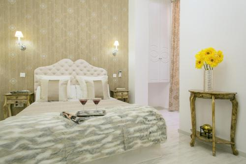 Interior Double Room Hostal Central Palace Madrid 24