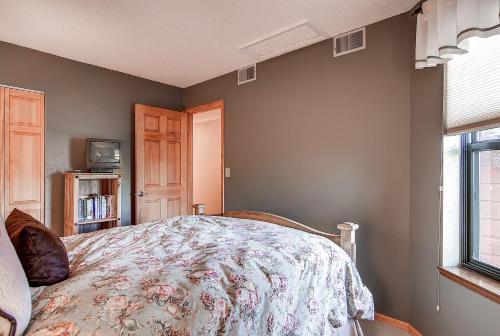 One-Bedroom Mountainside Condo A225 - Frisco, CO 80443