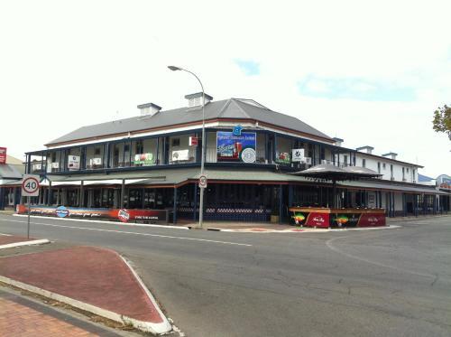 . Grand Tasman Hotel