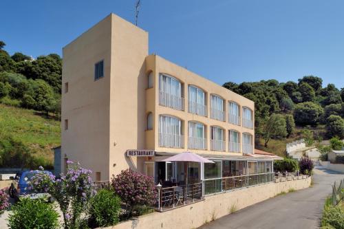 . Hotel Alata