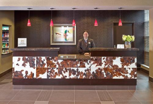 Homewood Suites Calgary Airport - Calgary, AB T3J 0R3
