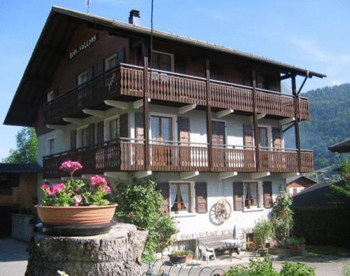 Chalet Bois Vallons Chambres d'Hôtes - Accommodation - Morzine