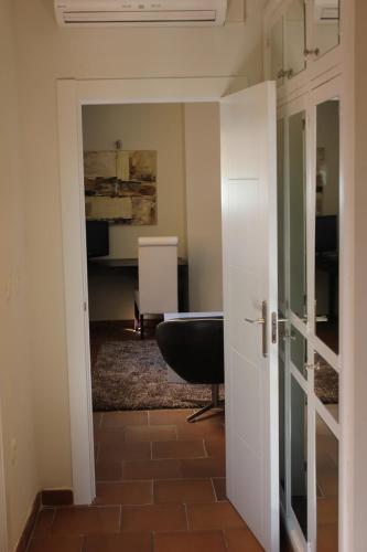 Double Room with Lounge Hotel Leonor de Aquitania 17