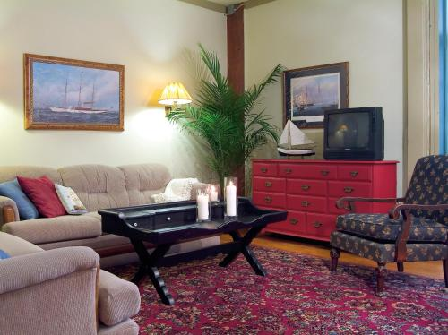 Captain Stannard House Bed And Breakfast Country Inn - Westbrook, CT 06498