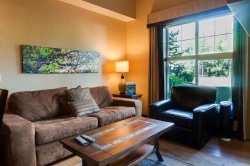 Silver Creek Lodge - Canmore, AB T1W 3M3