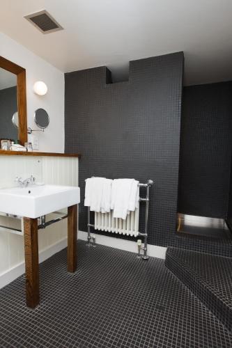 Prospect Place, Harrogate HG1 1LB, Yorkshire, United Kingdom.