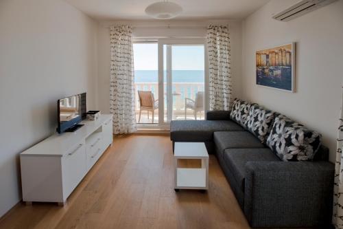 . Beach Stay Apartment Ivon