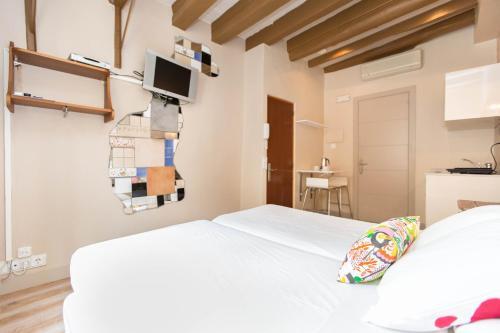 AinB Gothic-Jaume I Apartments photo 24