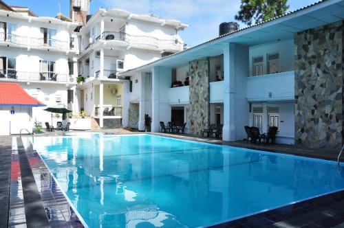 . Peradeniya Rest House