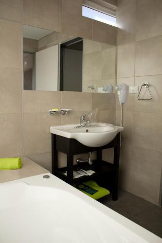 Фото отеля Hotel NEU 354