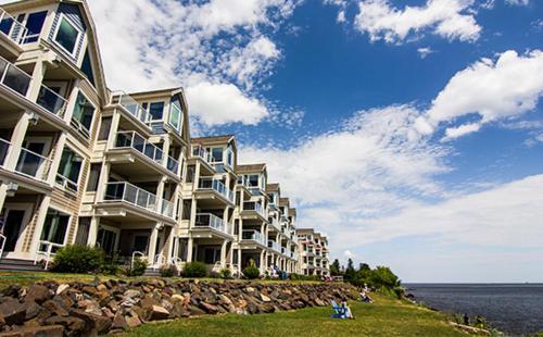 Beacon Pointe Resort - Duluth, MN 55812