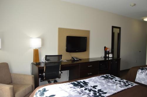 Sleep Inn & Suites Elk City - Elk City, OK 73644