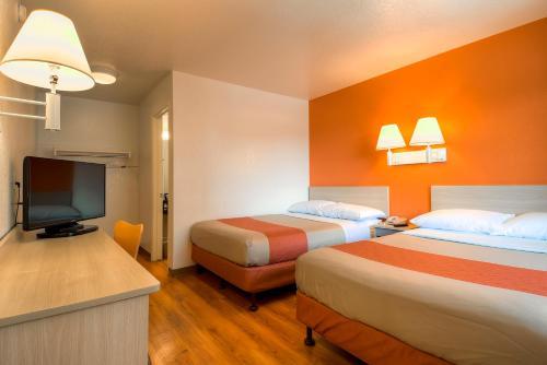 Motel 6 Westminster South - Long Beach Area - Westminster, CA 92683