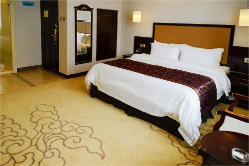 HotelShenzhen Sunisland Holiday Hotel, Guomao Shopping Center