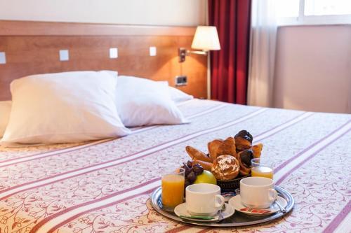 Hotel Antibes ** HOTELES