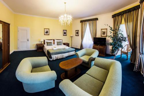 Family Suite with Castle View
