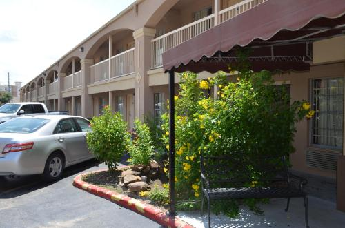 Econo Lodge Medical Center