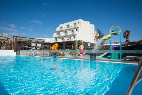 Hd Beach Resort 16