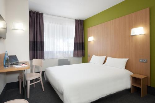 HÔTEL B&B Ville Active, parking sécurisé gratuit - Hôtel - Nîmes