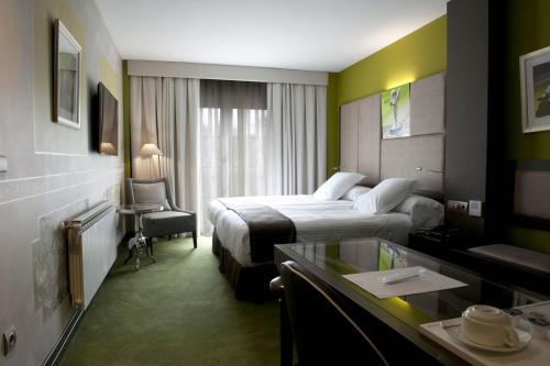 Comfort Double or Twin Room Costa Esmeralda Suites 5