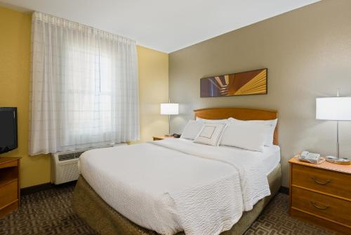Photo - TownePlace Suites Mobile