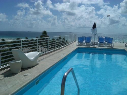 Strand Ocean Drive Suites a Miami Beach