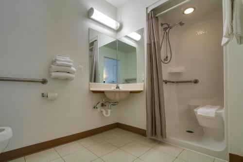 Motel 6 Orlando - Kissimmee Main Gate East - Kissimmee, FL 34746