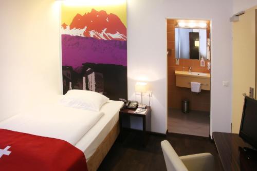 Helvetia Hotel Munich City Center photo 11