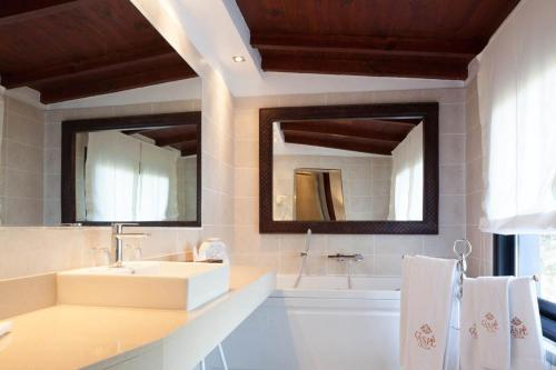 Suite with Sea View Hotel Rural Cas Pla 7