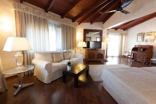 Suite with Sea View Hotel Rural Cas Pla 10