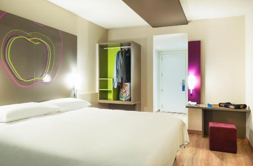 Hotel Ibis Styles Lleida Torrefarrera - Lleida