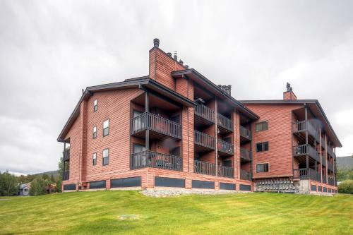 . One-Bedroom Mountainside Condo D107