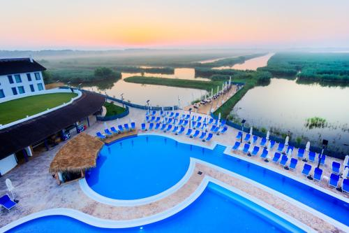 . Peninsula Resort