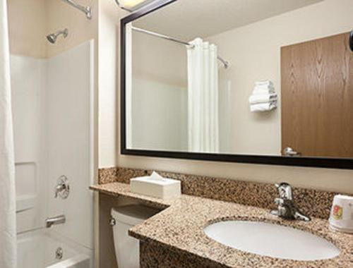 Super 8 By Wyndham Clearfield - Clearfield, PA 16830