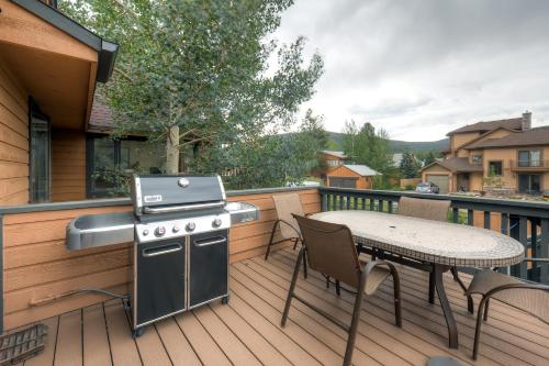 Three-Bedroom Pitkin Townhome - Frisco, CO 80443