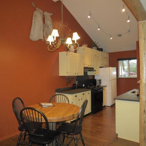 Bristlecone Lodge - Woodland Park, CO 80863