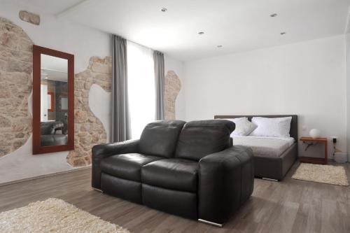 People's Square Room, 23000 Zadar