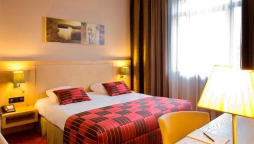Hotel Verviers Van der Valk कक्ष तस्वीरें