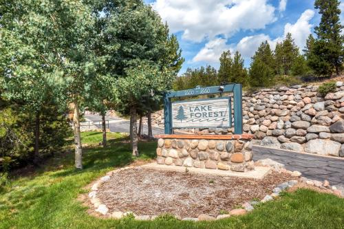 Two-Bedroom Lake Forest Condo 102C with Lake Views - Frisco, CO 80443