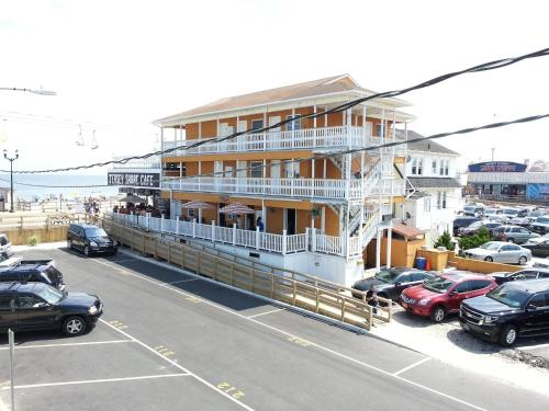 Boardwalk Hotel Charlee & Apartments - Seaside Heights, NJ 08751
