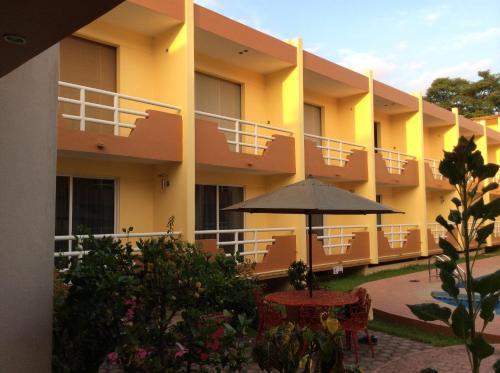 __{offers.Best_flights}__ Hotel La Media Luna Inn