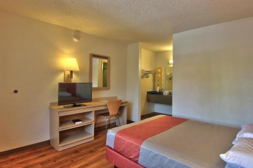 Motel 6 Sacramento - Old Sacramento North - Sacramento, CA 95814