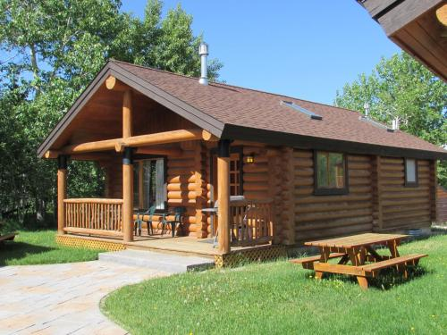 Beartooth Hideaway Inn & Cabins - Red Lodge, MT 59068