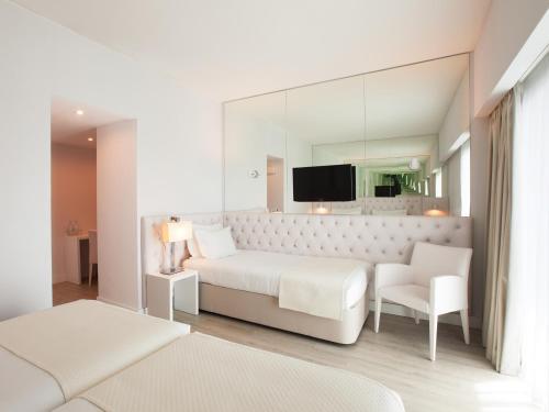 Lutecia Smart Design Hotel photo 36