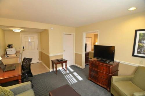 Pine Barn Inn - Hotel - Danville