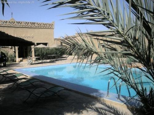 . Les Portes Du Desert