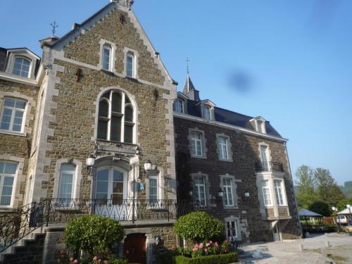 . Le Château de Rendeux
